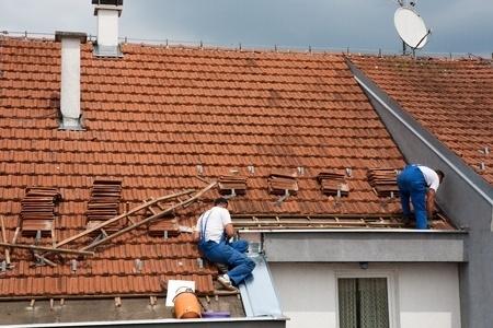 סכסוך שכנים: 30 אלף שקל פיצויים על נזק לגג