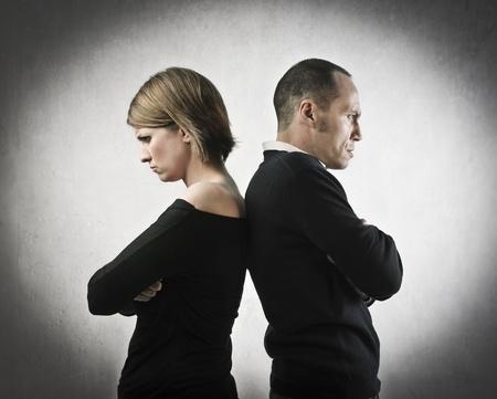 אלימות במשפחה: זרקה מגב על בעלה ופצעה אותו