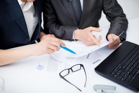 ברצינות סכסוך בין שותפים בחברה: האם לפרק את השותפות? • LawGuide RC-75