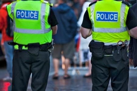 סתירה בעדות של שוטר הובילה לזיכוי מלא של נאשם בהחזקת סמים