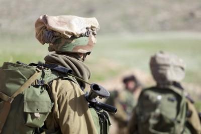 האזרח יעבור לדום: תחולת החוק הצבאי על חיילים משוחררים