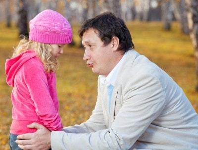 יישוב סכסוך עקב ניכור הורי: אם עודדה את בתה הקטינה לנתק קשר עם אביה