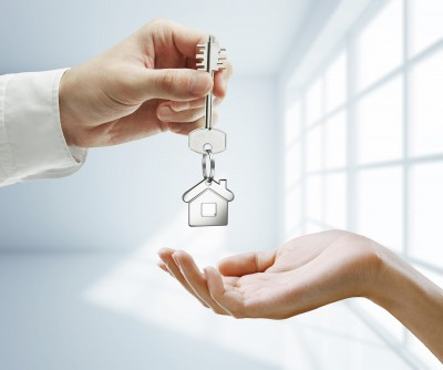 חוזה מכר דירה: מה חשוב לבדוק ואילו סעיפים חייבים לכלול בהסכם?