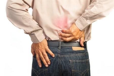 פיצויים בגין תאונת עבודה במשרד: 100 אלף שקלים לכלכלן שהרים ארון ונחבל בגבו