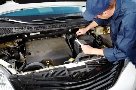 """תאונת עבודה במוסך: מהו סכום הפיצויים שקיבל מכונאי שנפגע מעגלה במשקל 100 ק""""ג?"""