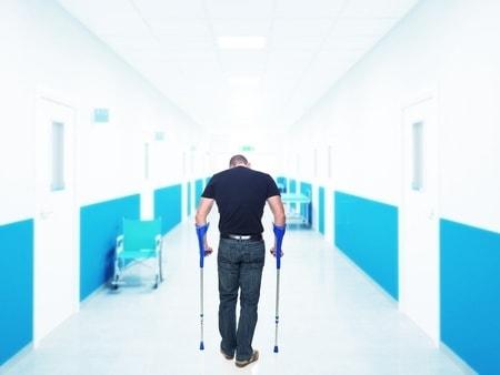 פציעה בגן שעשועים ציבורי: יותר מחצי מיליון שקלים לאדם שנפצע בגלל נדנדה